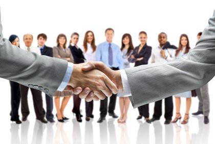 Als unabhängiger Berater stelle ich die finanziellen Interessen meines Kunden in den Vordergrund, nicht die einer bestimmten Bank.
